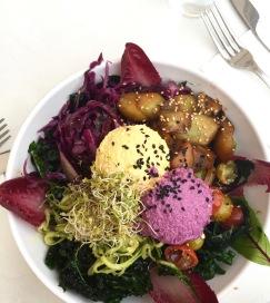 Kale salad! (Raw vegan, blijkbaar)