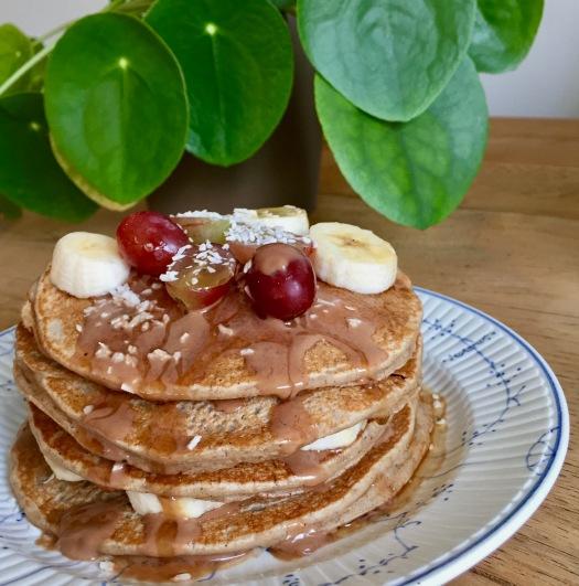 Spelt hazelnut maca pancakes 3